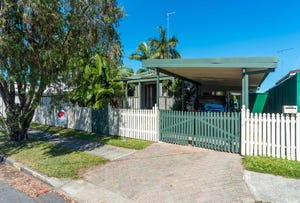 58 Whiting Street, Labrador, Qld 4215