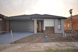 15 Hollywell Road, Clyde North, Vic 3978
