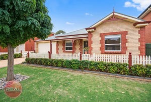 5 Lakewood Court, Mawson Lakes, SA 5095