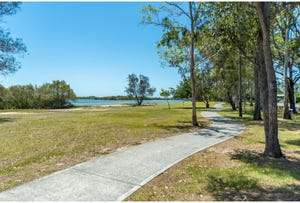 19 The Esplanade, Coombabah, Qld 4216