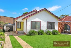 32 LEIGH AVENUE, Roselands, NSW 2196
