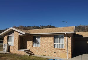 2/1 Stead Place, Banks, ACT 2906