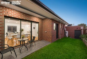 2/16 Grevillia Road, Oak Park, Vic 3046