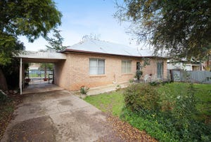 129 Meadow Street, Kooringal, NSW 2650