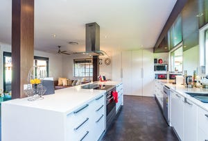 31 Lakefield Crescent, Paradise Point, Qld 4216