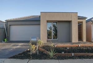 12 Mophetville  Street, Clyde North, Vic 3978