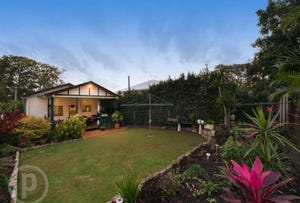 11 Stirling Street, Gordon Park, Qld 4031