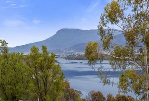 33 + 35 Lamprill Circle, Herdsmans Cove, Tas 7030