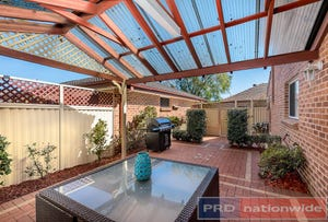 1 / 672 Henry Lawson Drive, East Hills, NSW 2213