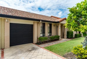 35/20 Brown Street, Labrador, Qld 4215