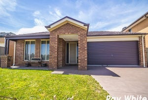 4 Bonnell Grove, Cranbourne East, Vic 3977