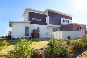 1/4 Severn Place, Pelican Waters, Qld 4551