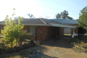 8 Petticoat Lane, Young, NSW 2594