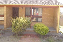2/3 Cherry Street, Pearce, ACT 2607