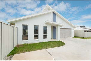 2/32 Whitton Drive, Thurgoona, NSW 2640