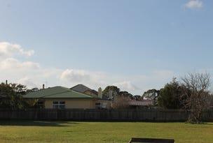 43 saunders, Wynyard, Tas 7325
