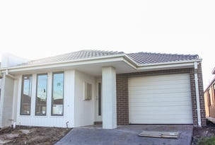 1/38 Willandra Bvd, Melton West, Vic 3337