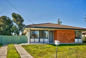18 Ballantyne Crescent, Deniliquin, NSW 2710