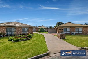 2/2 Lloyd Close, Kerang, Vic 3579