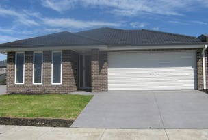 Pakenham, address available on request