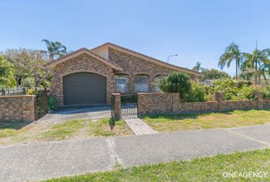 15 Main Street, Crescent Head, NSW 2440