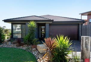 1 Curlew Way, Cowes, Vic 3922