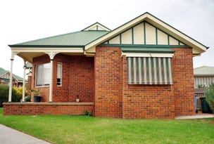 2/12 Stockton Place, Estella, NSW 2650