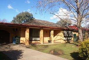 17 Pinaroo Drive, Glenfield Park, NSW 2650