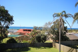 63 Caves Beach Road, Caves Beach, NSW 2281