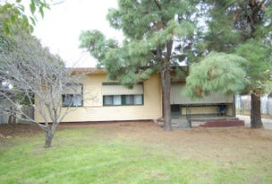 5 ROBERTSON CRESCENT, Deniliquin, NSW 2710