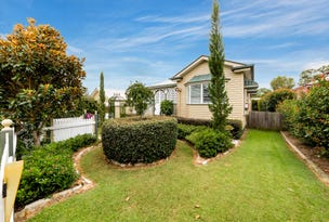 16 Samuel Avenue, Crows Nest, Qld 4355