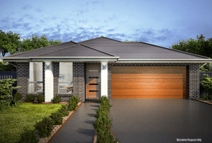 Cnr  Penola St & Newmarket St, Currans Hill, NSW 2567