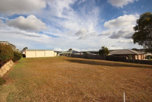 5 Vicky Avenue, Crows Nest, Qld 4355