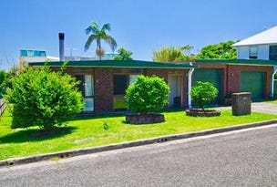 19 Hodgson Street, Crescent Head, NSW 2440