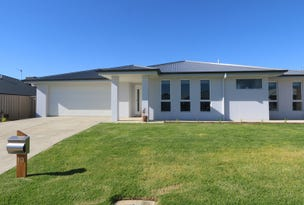 13 Beetson Street, Boorooma, NSW 2650