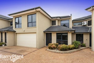 2/2 Sandlewood Lane, Point Cook, Vic 3030