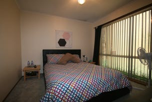 8 Snowgum Place, Jerrabomberra, NSW 2619