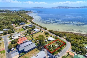 18 Harbour Esplanade, Little Grove, WA 6330