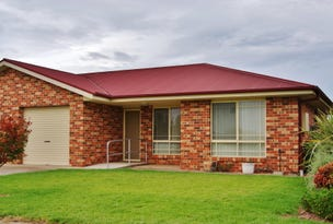 4/3A Sam Place, Young, NSW 2594