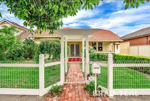 28 Wallace Crescent, Strathmore, Vic 3041