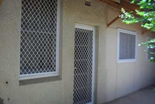 64 Pine Avenue, Leeton, NSW 2705
