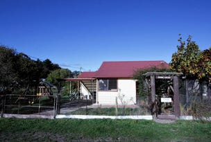 13 Spring Street, Captains Flat, NSW 2623