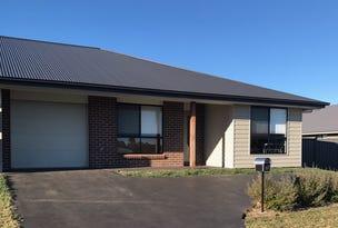 17 Holmfield Drive, Armidale, NSW 2350