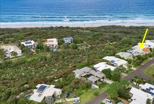 24 Antipodes Close, Castaways Beach, Qld 4567