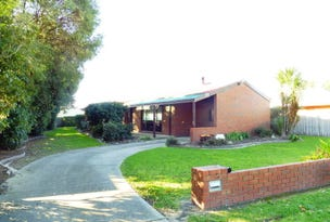 32 HOSIE STREET, Bairnsdale, Vic 3875