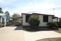 2/15 Castlereagh Avenue, Mount Austin, NSW 2650