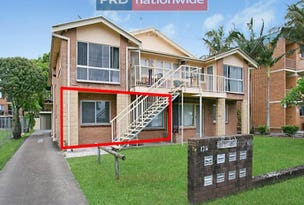 1/126 Marine Parade, Southport, Qld 4215