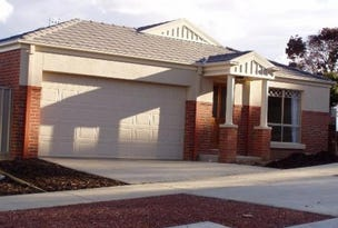 12 Rosewood Mews, Golden Square, Vic 3555