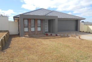 4 Rosewood Avenue, Parkes, NSW 2870