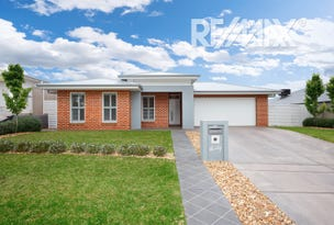 30 Flack Crescent, Boorooma, NSW 2650